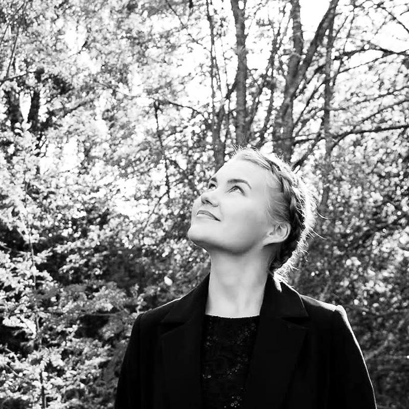 Anu Mantsinen, Muotoilija AMK, Opiskelija, taiteen maisteri